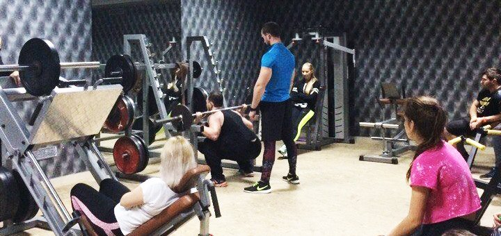 Абонементы на выбор на посещение групповых занятий и тренажерного зала в фитнес-клубе «Малибу»